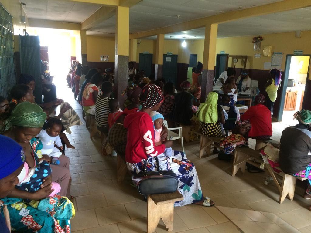 Sala de espera del Hospital de Tonga